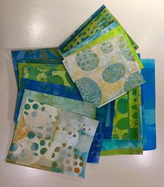 """Jennifer Love's Instagram profile post: """"Learn how to create these patterns and textures on paper with the use of a gel plate. Only a month left before my intro to Monoprinting on…"""" Gelli Plate Printing, Jennifer Love, Profile, Plates, Quilts, Texture, Blanket, Patterns, Learning"""