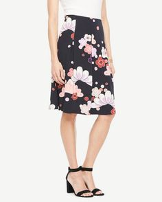 fa6784d24f NWT ANN TAYLOR Black with Bold Blooms Pleated Skirt Size 8 #fashion  #clothing #