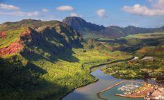 2.Кауаи – четвертый по размеру остров Гавайского архипелага, его прощадь составляет всего 1433 кв.км. На острове всего одна главная дорога,...