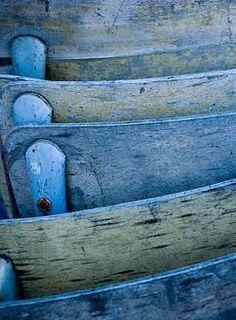Indigo chairs stacked up for a perfect palette. Bleu Pale, Bleu Cobalt, Indigo Blue, Aqua Blue, Blue And White, Periwinkle Blue, Color Explosion, Le Grand Bleu, Color Celeste