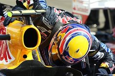 Race winner Mark Webber (AUS) kisses his Red Bull Racing RB6 in parc ferme.  Formula One World Championship, Rd 12, Hungarian Grand Prix, Race, Budapest, Hungary, Sunday, 1 August 2010