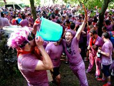 The Wine Battle of Haro | Crazy Spain Festivals640 x 480 | 100.9 KB | crazyspainfestivals.blogspo...