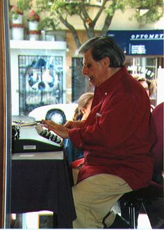 Harlan Ellison typing away in public Some Good Quotes, Best Quotes, Harlan Ellison, Book Authors, Books, Fiction And Nonfiction, Writers Write, Science Fiction, Den