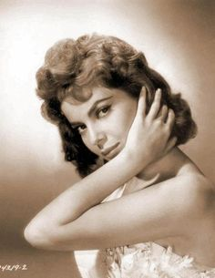 ♣♣Gina Lollobrigida♣♣ Born	Luigina Lollobrigida 4 July 1927  Subiaco, Kingdom of Italy	Occupation	Actress, photojournalist, sculptress	Years active	1946–1997	Spouse(s)	Mirko Skofic (1947–1971) (divorced)  Gina Lollobrigida (Italian pronunciation: [ˈdʒiːna lɔlloˈbriːdʒida]; born 4 July 1927) is an Italian actress, photojournalist and sculptress. She was one of the most popular European actresses of the 1950s and early 1960s. She was also an iconic sex symbol of the 1950s. Today, she remains