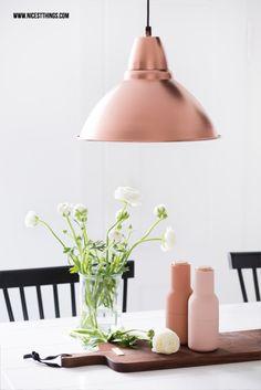 DIY: Mit Sprühfarbe selbst angesprühte Lampen in Kupfer