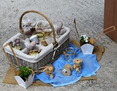 Baptism Decoration Διακόσμηση Βαπτισης Στολισμος Wicker Baskets, Straw Bag, Picnic, Bags, Home Decor, Handbags, Decoration Home, Room Decor, Picnics