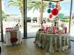 Decoración comunión mesa dulces y libro de firmas