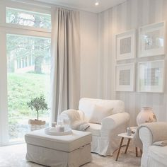 So serene.what a place to it and read or just look at the scenery! Striped Accent Walls, Cottage Shabby Chic, American Interior, Interior Decorating, Interior Design, White Decor, My Room, Interior Inspiration, Living Room Decor