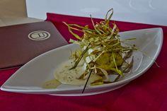 Tarte Tatin di Montagna -Patate rosse - Fonduta - Porri croccanti - Barabba Sestriere (TO) Italy