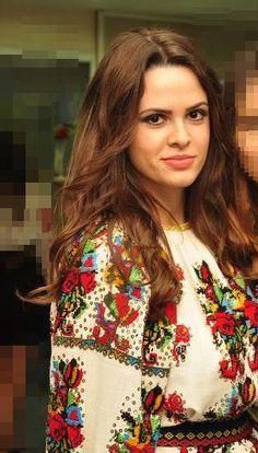 100 years Romanian blouse, www.romaniasfriends.com