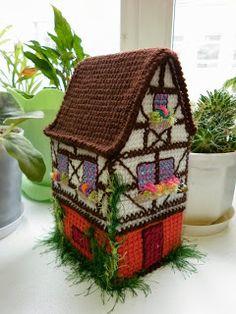 Вязаный домик.: Вязаный домик в немецком стиле.