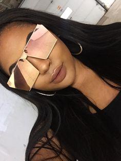 "XOXO: ""Unbothered"" shades from parisheelton.com Reflective Sunglasses, Black Sunglasses, Mirrored Sunglasses, Sunglasses Women, Sunglasses For Your Face Shape, Ray Bans, Chanel Art, Cute Glasses, Fashion Eye Glasses"