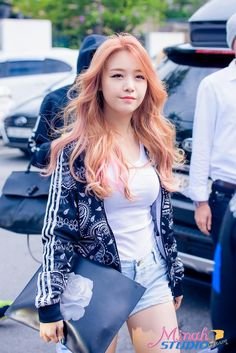 One of my favourite hair colours of Minah ♥ Petition to bring this colour back please