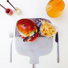 Hangover on Wednesday afternoon? Well if it's about the hangover burger at THE TWENTYONE RESTAURANT & BAR, why not? Photo by @thetwentyonerestaurant