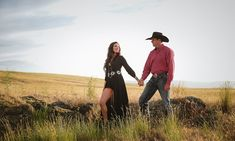 Serape, Storms, And Wide Open Spaces Western Engagement Photos, Engagement Photo Outfits, Engagement Pictures, Engagement Shoots, Country Engagement, Fall Engagement, Country Couple Pictures, Cute Country Couples, Family Pictures
