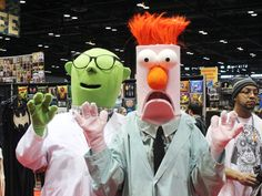 Chicago Comic and Entertainment Expo 2016: Dr. Bunsen Honeydew and Beaker Cosplay