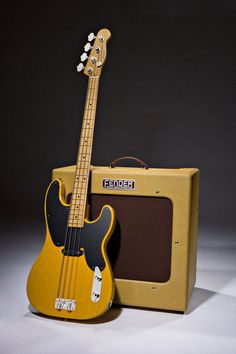Vintage Guitars, Our team takes pride in purchasing guitarist by using authentic musical instruments. They tend to have a vintagelook utilizing a overall performance of the extremely modern models. Telecaster Bass, Fender Bass Guitar, Fender Guitars, Bass Guitar Lessons, Guitar Tips, Gretsch, Learn Acoustic Guitar, Fender Precision Bass, Jackson
