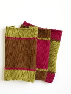 Machine-Knit Washcloth - a great pattern for beginner machine-knitters!