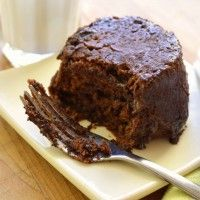 2 Minute chocolate peanut butter mug cake. This was great and fast! Definitely making this again when I need a peanut butter and chocolate fix! Mini Desserts, Just Desserts, Delicious Desserts, Yummy Food, Tasty, Mug Recipes, Sweet Recipes, Cake Recipes, Dessert Recipes