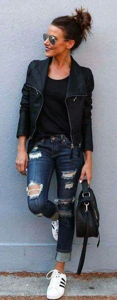 Stunning Ripped Jeans Ideas To Look Rugged 34