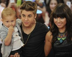 (L-R) Jaxon Bieber, Justin Bieber and Carley Rae Jepsen arrive at the 2012 MuchMusic Video Awards at MuchMusic HQ on June 17, 2012 in Toronto, Canada.
