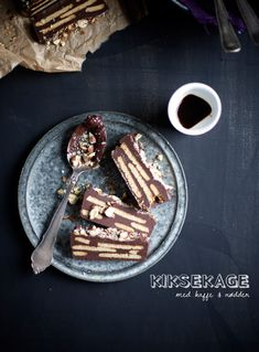 kiksekage med kaffe. Mom used to make this very rich cake