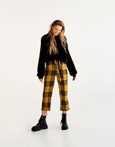 Pantaloni culotte a quadri con cintura - Pantaloni - Abbigliamento - Donna - PULL&BEAR Italia