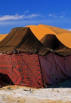 Tents in Sahara, Morocco Marrakech, Beautiful World, Beautiful Places, Bedouin Tent, Mekka, Desert Life, Moroccan Style, Moroccan Decor, North Africa