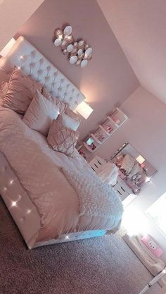 Light Pink Room Decor Bedroom Decor Pink Bedroom Design with Cute Room Decor Girl Bedroom Designs, Room Ideas Bedroom, Teen Room Designs, Teen Bedroom Colors, Light Pink Bedrooms, Blush Pink Bedroom, Dream Bedroom, Woman Bedroom, Cute Bedroom Ideas For Teens