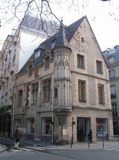 Hôtel de jean Herouet (vers 1500) à l'angle de la rue des Francs Bourgeois et…