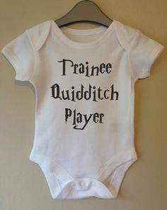 Praktikant Quidditch-Spieler Baby Körper/Weste/Strampler harry Potter Stil cute Kleidung auf Etsy, 6,79€