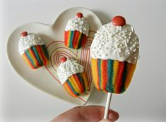 Blog about pop culture, edible crafts, sugar, geek, nerd and more