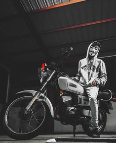 Photography Discover Fz Modified Yamaha In India & Fz Modified Yamaha Bike Photography, Photography Poses For Men, Photography Backdrops, Photography Reflector, London Photography, Photography Articles, Profile Picture Images, Whatsapp Profile Picture, Photography Signature Logo