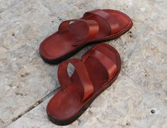 ---if you reach the description thats mean you win a 5% discount use the code : GREATOFFER  and claim your offer.---    ABOUT OUR ITEM INFORMATION    Features  Daisy design on insole  Thong sandal  Water proof  Durable leather material  Soft leather thong strap  handmade   classic summer style  outfit and comfortable       If the size you want not available please send a message with the needed size based on the table below    We suggest 1/2 sizes select the next size up      Measurements…