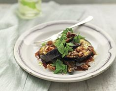 Libańska sałatka z bakłażana Jamie Oliver, Beef, Ethnic Recipes, Food, Meat, Essen, Ox, Ground Beef, Yemek