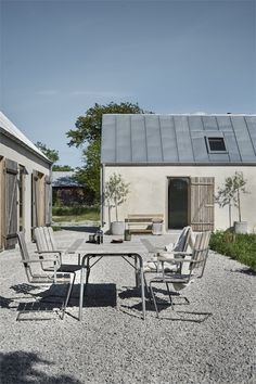 my scandinavian home: A Striking Holiday Home on The Swedish Island Of Gotland -. my scandinavian Modern Barn, Modern Farmhouse, Scandinavian Garden, Villa, Outdoor Living, Outdoor Decor, Outdoor Furniture, Wooden Furniture, Antique Furniture