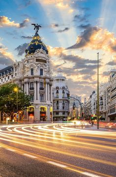 Madrid Wallpaper, City Wallpaper, Fall Wallpaper, Travel Log, Free Travel, Cool Places To Visit, Places To Travel, Picture Wall, Photo Wall