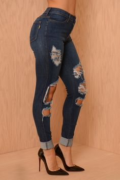 40$ http://www.fashionnova.com/collections/jeans/products/high-waisted-destroyed-skinny-jeans