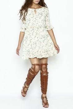 Daisy Printed Dress, cute short sundress, cute printed summer dress, floral summer dress, summer fashion, summer dress with sleeves