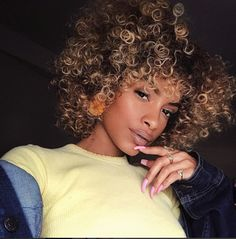 ➿😍➿ in Buttercup Kinky Curly Wigs, Short Wigs, Buttercup, Latest Fashion, Curls, Boss, Hair Color, Glamour, Latest Styles