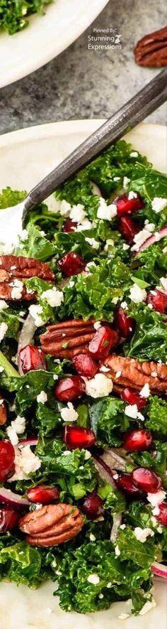 Winter Salad, Food Club, Roasted Peppers, Secret Recipe, Edible Art, Bon Appetit, Yummy Food, Delicious Recipes, Kale
