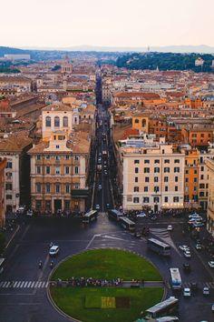 Scorcio di San Pietro visto dalla terrazza del Gianicolo | Gianicolo ...