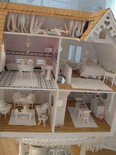 Shabby Chic dollhouse #1