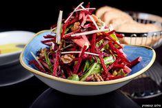 מתכון לסלט קיצי מרענן של סלק ותפוחים Other Recipes, Kung Pao Chicken, I Love Food, Japchae, Food Inspiration, Nom Nom, Cabbage, Cooking Recipes, Salad