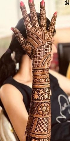 Explore the list of best and trending mehndi designs for every occasion. Latest mehndi designs for your wedding or any other events Henna Hand Designs, Mehndi Designs Finger, Wedding Henna Designs, Engagement Mehndi Designs, Latest Bridal Mehndi Designs, Full Hand Mehndi Designs, Legs Mehndi Design, Mehndi Designs 2018, Mehndi Designs For Girls
