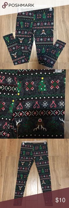 Stocking Stuffers Christmas leggings Beautiful Christmas leggings perfect stocking stuffers. Says size small but stretchable perfect for small to medium. Faded Glory Pants Leggings