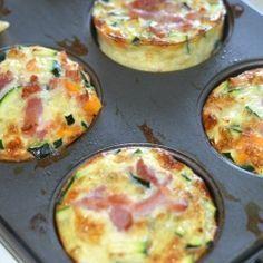 Grøntsags muffins / æggemuffins i forskellige varianter er et hit. Food To Go, Food N, I Love Food, Good Food, Food And Drink, Yummy Food, Tapas, Danish Food, Cooking Recipes