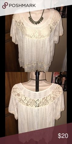 😍SUPER CUTE CREAM FLOWY TOP WITH LACE DETAILS😍 💕CROCHET LIKE TRIM ON THE SLEEVES AND 2 LAYERS AT THE BOTTOM OF THE SHIRT. 💕 BODY 100% POLYESTER ---TRIM MATERIAL 73% COTTON 27% NYLON. ⭐️ EXCELLENT CONDITION ⭐️ Free People Tops Blouses
