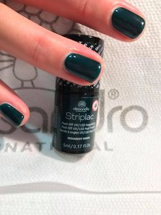 Alessandro Striplac Monarchy Green Uv Led, Apple Watch, Manicure, Green, Beauty, Nail Polish, Nail Polishes, Nail Bar, Nails