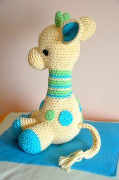 Arafa, la jirafa bebé   Chica outlet Crochet Animals, Crochet Toys, Best Kids Toys, Crochet For Kids, Crochet Ideas, Handmade Toys, Baby Toys, Diy And Crafts, Dinosaur Stuffed Animal